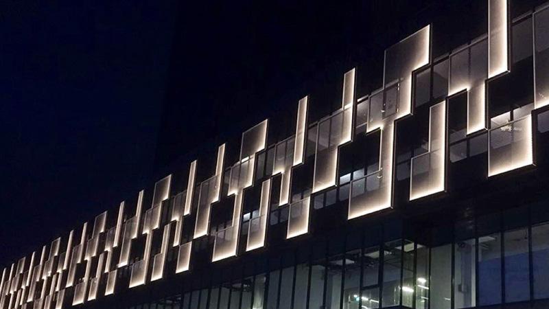 نورپردازی هوشمند نمای ساختمان
